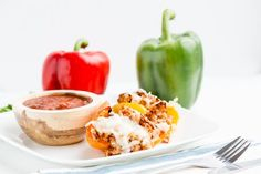 Turkey-Stuffed Bell Peppers Scrumptious Stuffed Peppers by draxe Healthy Snacks, Healthy Recipes, Keto Recipes, Healthy Dinners, Veggie Recipes, Eating Healthy, Chicken Recipes, Clean Eating Recipes, Cooking Recipes