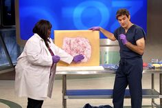 Go inside the body to see what causes psoriasis, a common skin condition and autoimmune disorder. Dr. Oz explains the treatment options.