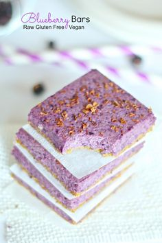 Blueberry Bars (gluten free vegan raw) Naturally beautiful blueberry oat bars bursting with real blueberries.