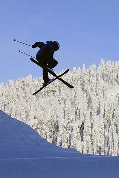 Telemark jumper in Ruka, Finland by Visit Finland, via Flickr