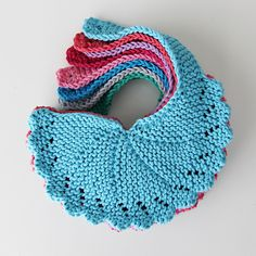 Girly Bib free Knitting Pattern