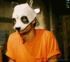 click das ist ein gif ! Red S, My Boys, Rapper, Fangirl, Halloween Face Makeup, Drama, Cute, Sweet Dreams, Tumblers