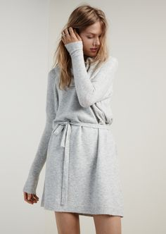 madewell viewpoint turtleneck sweater-dress worn with the diamond shape ring + long bar stacking rings.
