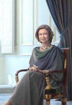 S.M. la Reina Doña Sofía de España (1975 - ).