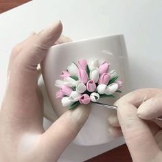 Arts And Crafts Pottery Polymer Clay Cupcake, Cute Polymer Clay, Polymer Clay Flowers, Fimo Clay, Polymer Clay Projects, Ceramic Clay, Polymer Clay Jewelry, Quilled Creations, Polymer Clay Creations