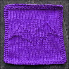 Bat dishcloth. Would make a great Halloween project <3