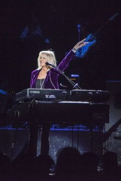 Christine McVie. 71 and looks and sounds fantastic. So lovely.