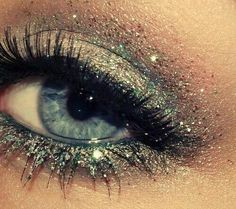 This would be awesome new years makeup