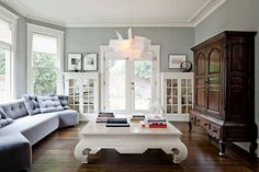 love this entire home. covet the coffee table. Turn-of-the-century Modern – Jessica Helgerson Interior Design My Living Room, Home And Living, Living Spaces, Living Area, Sweet Home, The Design Files, Blog Design, Grey Walls, My New Room