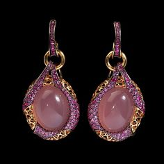 Mousson Atelier, collection New Age - Bouchée, Yellow gold 750, Pink quartz 38,77 ct., Pink sapphires
