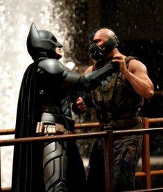 Batman (Christian Bale) and Bane (Tom Hardy) in TDKR