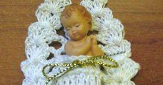 Best 11 about Crochet dolls crib/bassinet to fit a – Berenguer … – SkillOfKing. Crochet Diy, Thread Crochet, Crochet Crafts, Crochet Dolls, Crochet Stitches, Crochet Projects, Crochet Christmas Decorations, Christmas Crochet Patterns, Crochet Ornaments