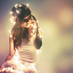 Mummy says I Light up her macr – Cottage Garden & Fairy Lights Fairy Light Photography, Girl Photography Poses, Tumblr Photography, Creative Photography, Fotos Pin Up, Light Shoot, Portrait Lighting, Portraits, Landscape Photos