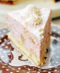 Cream cake with rhubarb