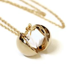 """Secret Message Locket - my first thought was """"I open at the close"""" because i'm a nerd ; Jewelry Box, Jewelry Accessories, Fashion Accessories, Fashion Jewelry, Things To Buy, Girly Things, Family Jewels, Unusual Jewelry, Diamond Are A Girls Best Friend"""