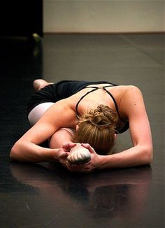 Mmm love the feel of stretching like that :)