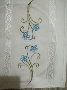 Hand Embroidery Patterns, Embroidery Stitches, Cross Stitch Flowers, Pillow Covers, Projects To Try, Crafts, Dresses, Embroidered Towels, Hand Embroidery Stitches