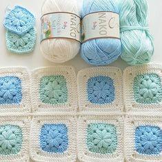 Transcendent Crochet a Solid Granny Square Ideas. Inconceivable Crochet a Solid Granny Square Ideas. Granny Square Crochet Pattern, Crochet Squares, Crochet Blanket Patterns, Baby Blanket Crochet, Crochet Motif, Crochet Stitches, Knitting Patterns, Crochet Daisy, Crochet Home