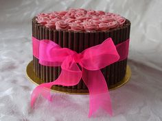 barrel of roses cake.