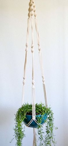 awesome How to Make Macrame Plant Hanger DIY: 99+ Inspiring Projects http://www.99architecture.com/2017/03/04/make-macrame-plant-hanger-diy-99-inspiring-projects/