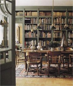 Forget the kitchen diner the new trend to come in home design is the home library diner, perfect room decor for lovers of books and urban cafe style Home Library Design, House Design, Garden Design, Vintage Library, Home Libraries, Public Libraries, Green Rooms, Dining Room Lighting, Dining Rooms
