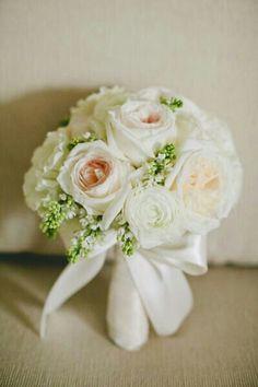 Pretty Wedding Posy Of Garden Roses, Ranunculus & Lilac