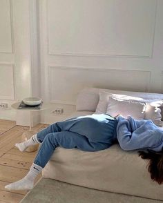 Bloated All The Time, White Aesthetic, Aesthetic Girl, Couple Aesthetic, Images Aléatoires, Bed Back, Lazy Days, Girl Next Door, Style