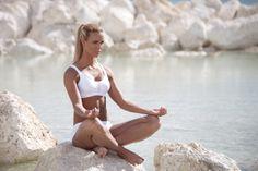 White sport top # sportsunderwear #sportwear #yoga #fitness # Emmsports
