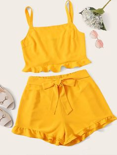 To find out about the Plus Ruffle Hem Top & Knot Side Shorts Set at SHEIN, part of our latest Plus Size Co-Ords ready to shop online today! Cute Girl Outfits, Sporty Outfits, Cute Outfits For Kids, Girly Outfits, Summer Outfits, Girls Fashion Clothes, Teen Fashion Outfits, Look Fashion, Fashion Edgy