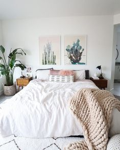 Fabulous Tips and Tricks: Minimalist Decor Interior Design Spaces chic minimalist decor living rooms.Vintage Minimalist Decor Living Room minimalist home with kids floor plans.How To Have A Minimalist Home Interior Design. Boho Chic Bedroom, Home Decor Bedroom, Modern Bedroom, Dream Bedroom, Bedroom Inspo, Bedroom Furniture, Contemporary Bedroom, Pretty Bedroom, Natural Bedroom