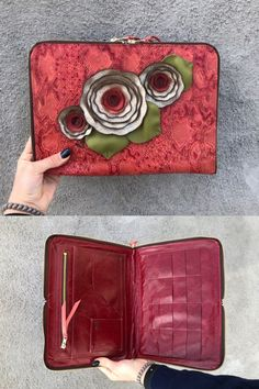 Red snake print leather pocketbook Leather Tooling, Leather Wallet, Coin Purses, Snake Print, Wallets, Red, Coin Wallet, Coin Purse, Purses