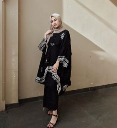 Kebaya Modern Hijab, Kebaya Hijab, Kebaya Dress, Modern Hijab Fashion, Modesty Fashion, Batik Fashion, Muslim Fashion, Fashion Outfits, Batik Long Dress