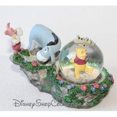 Snow globe Winnie l'ourson DISNEY Bourriquet et Porcinet boule à neige 10 cm