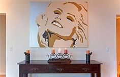 Anna Nicole still has a spot in her former house. (Zillow.com)