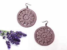 Crochet earrings dyed and scented in lavender  natural di Leccio51, €35.00