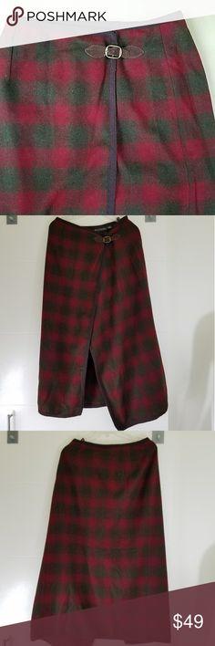 Red & Green BANANA REPUBLIC Wrap 100% WOOL Made in Italy  24-30 waist 35 length Banana Republic Skirts Midi