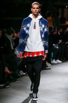 a7fb46d0b0 Givenchy Fall 2017 Menswear Fashion Show