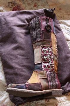 shoes boots gypsy patch cute vintage boots - Was mir so gefällt - Zapatos Ideas Bohemian Mode, Hippie Chic, Boho Chic, Hippie Bohemian, Boot Over The Knee, Over Boots, Gypsy Style, Boho Gypsy, My Style