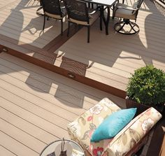 Our EasyClean Terrain Birch composite decking require practically no upkeep, and they have a grained wood-effect texture that complements their colour, sure to make any outdoor space look beautiful ☀️ #outdoor #garden #design #homedecor