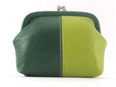 6a8211e19 Las 11 mejores imágenes de bolsos y monederos con frases | Coin ...