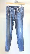 Level 99 Janice Zip - #denim #distressed #skinny #jeans #light #wash #level99 #theboutique #fakingitflawless