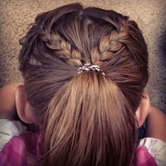 Unbelievable Cool, Fun & Unique Kids Braid Designs -Simple & Best Braiding Hairstyles For Kids The post Cool, Fun & Unique Kids Braid Designs -Simple & Best Braiding Hairstyles… appeared f . Little Girl Braids, Braids For Kids, Girls Braids, Cute Braided Hairstyles, Little Girl Hairstyles, Cool Hairstyles, Hairdos, Hairstyles 2018, African Hairstyles