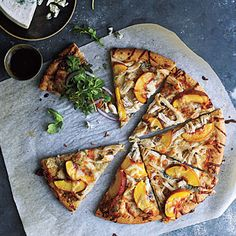 Peach and Gorgonzola Chicken Pizza -- love this idea minus the chicken of course ;)
