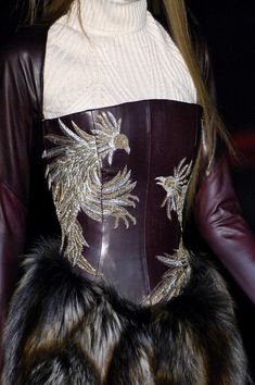 Alexander McQueen at Paris Fashion Week Fall 2007 - StyleBistro