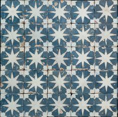 Patrimonium Hispalense > Centro Cerámica Triana > Panel de azulejos de arista
