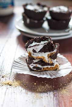 """""""Gooey S'mores Candy Cups 