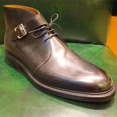 http://chicerman.com abitofcolor: John Loob - Lobbs new take on a Chukka at @wilkesbashford San Francisco #mensshoes #menswear #wilkesbashford #sfblogger #shoes #johnlobb #madeintheuk #mensfashion #mensstyle #sanfrancisco #styleforum (at Wilkes Bashford) #menshoes