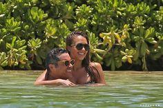Jessica Alba Pregnant at the Beach in Hawaii July 2017 | POPSUGAR Celebrity