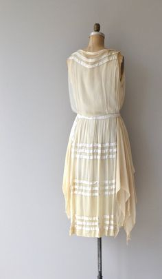 Your place to buy and sell all things handmade 20s Dresses, Vintage Dresses, Vintage Outfits, Vintage Fashion, Summer Dresses, Vintage Clothing, Women's Fashion, Informal Attire, Handkerchief Skirt