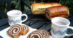 Mennyei Csíkos kalács recept! Egy kiváló, házi kakaós kalács recept! Ha valaki szereti, lehet mazsolát beletenni, és a citrom reszelt héja is elhagyható, de szerintem nagyon kellemes ízt ad hozzá. Hungarian Desserts, Hungarian Recipes, Hungarian Food, Bread Recipes, Cooking Recipes, Ring Cake, Bread And Pastries, Breakfast For Dinner, Croissant